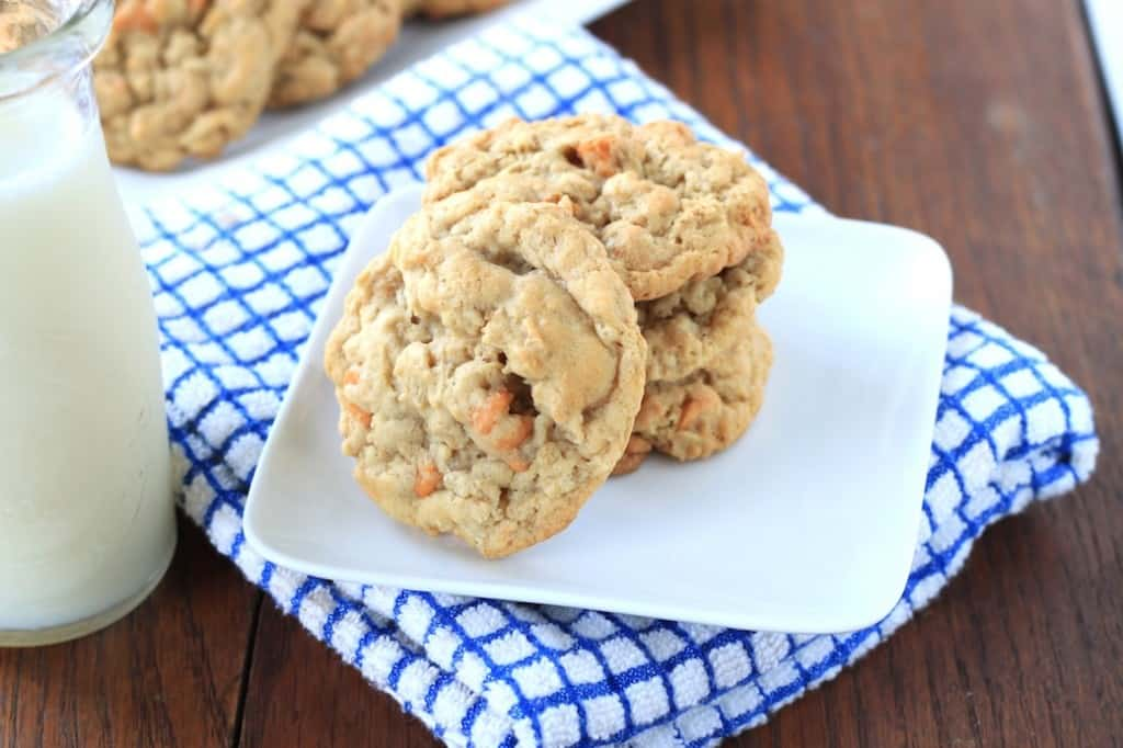 {greens & chocolate} butterscotch oatmeal cookies