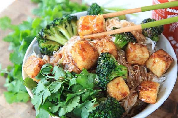 Crispy Tofu and Broccoli Noodle Bowl with Spicy Hoisin Sauce | greens & chocolate