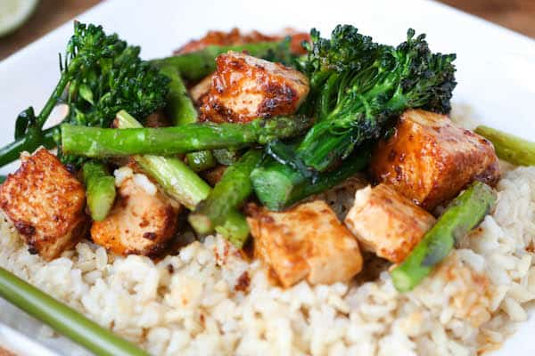 Sriracha Peanut Tofu Stir Fry | greens & chocolate