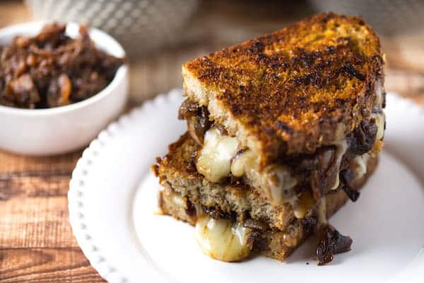 Caramelized Onion and Gruyere Grilled Cheese Sandwiches ...