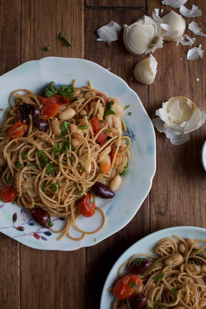 Whole Grain Pasta with Tomatoes and White Beans