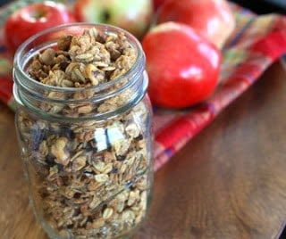 cinnamon apple granola