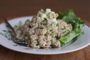 Creamy-Tuna-Pasta-Salad-With-Greek-Yogurt-Recipe-Aggies-Kitchen-2