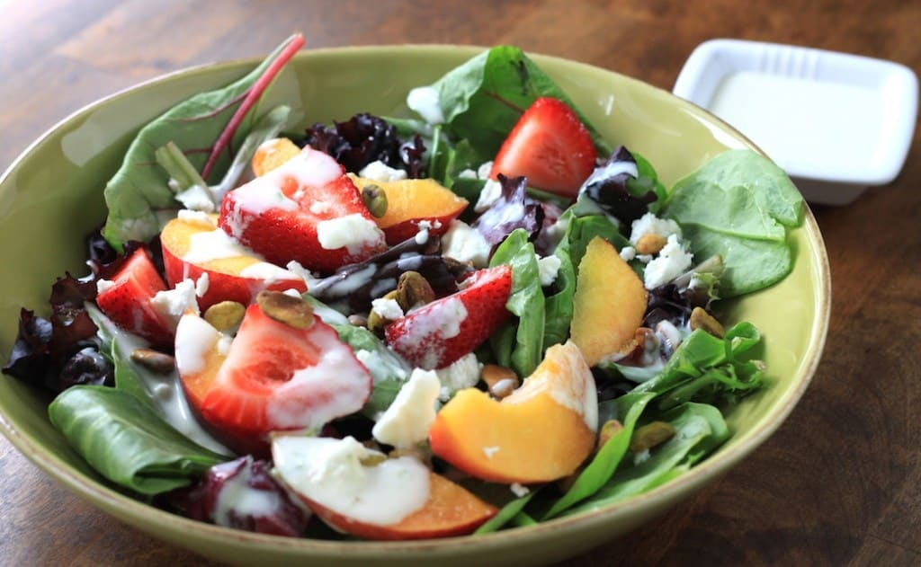 peach and strawberry salad