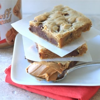 biscoff and chocolate chip blondies