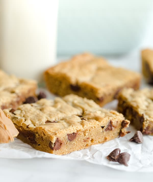 Biscoff Chocolate Chip Blondies