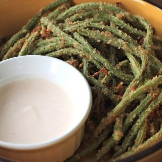 green bean fries with sriracha yogurt dipping sauce