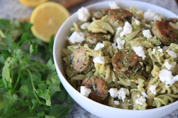 spinach feta and almond parsley pesto pasta