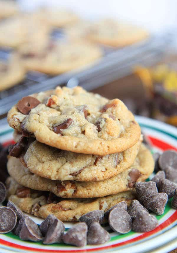 Delicious closeup on the Brown Butter Chocolate Caramel Pecan Cookies served and ready for the feast