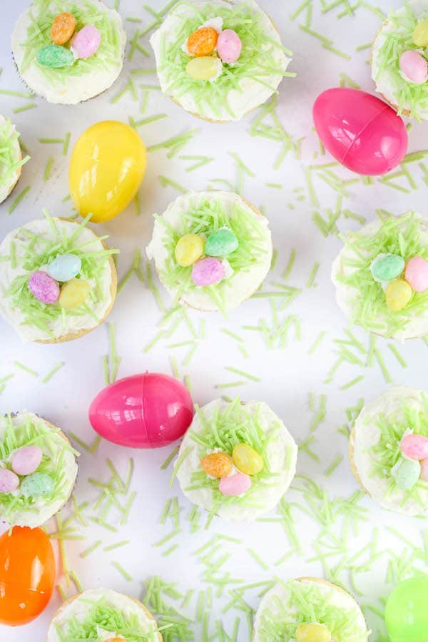 Easter Lemon Cupcakes with Lemon Buttercream Frosting-3