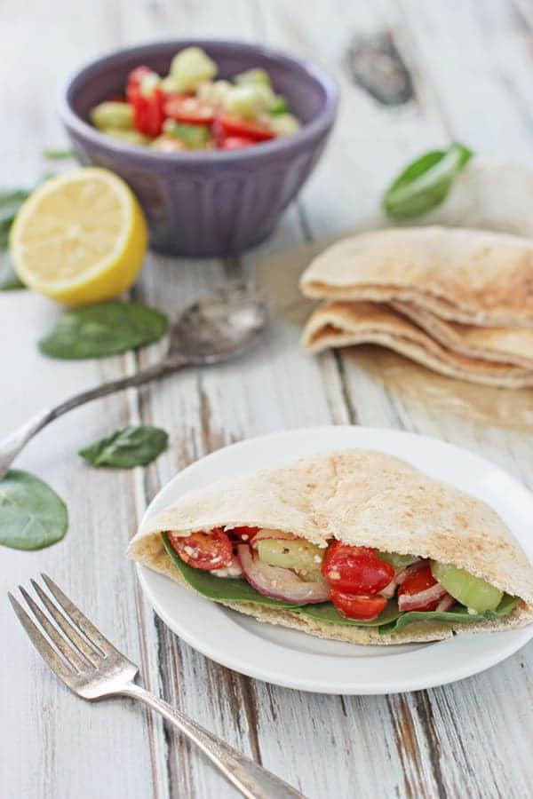 Greek_pita_pockets_hummus