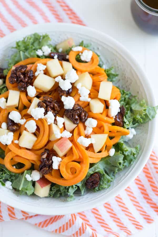 Spiralized Sweet Potato and Kale Salad | Healthy Weekly Meal Plan