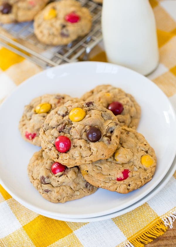 Peanut Butter M&M Oatmeal Cookies served in a white plate