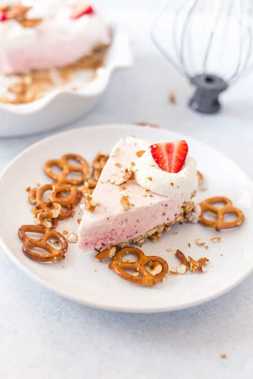 Frozen Strawberry Cream Pie with Pretzel Crust