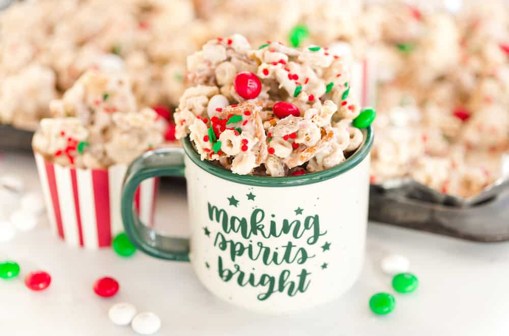 Peppermint Christmas Snack Mix